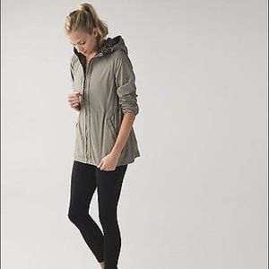 Lululemon Rain For Daze Jacket, Size 6, NWT